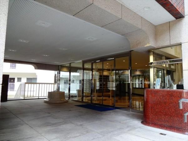 マンション恵比須苑の玄関