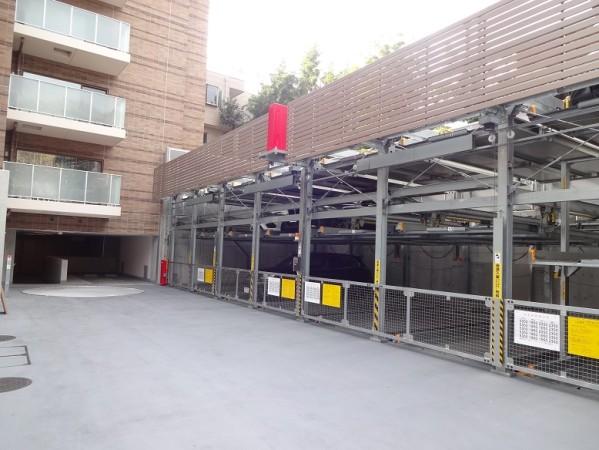 ブランズ渋谷常盤松の立体駐車場